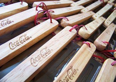 Gravírování dřeva laserem - Coca-cola