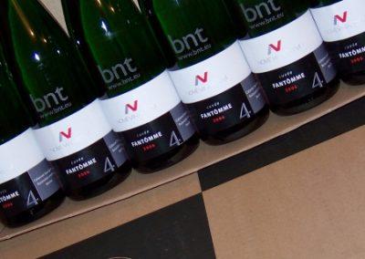Laserový popis lahví na víno
