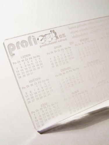 Laserový výřez plexisklo - kalendář