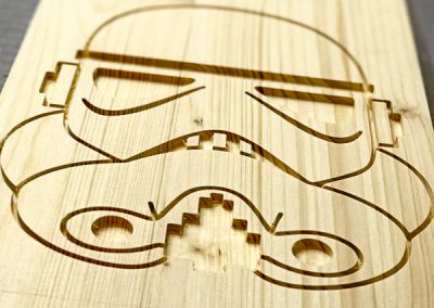 gravirovani-cnc-frezkou-masiv-stormtrooper