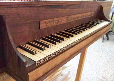 klávesy - laserové ozdoby