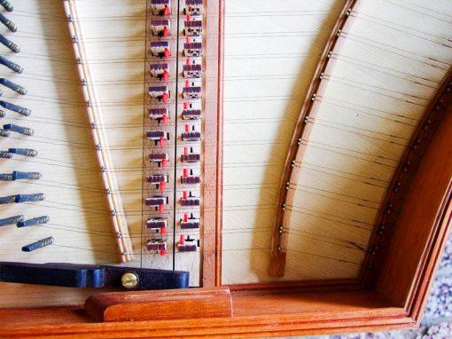 Doplňky pro výrobu cembal