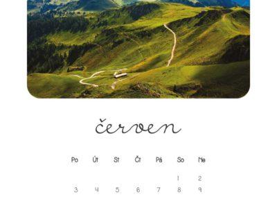 cerven-kalendar-vlastni-fotky