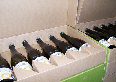 Lahve na víno popsané laserem