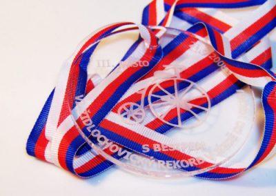 Medaile z plexi s laserovým gravírováním