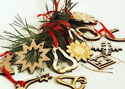 Laserem řezané vánoční ozdoby