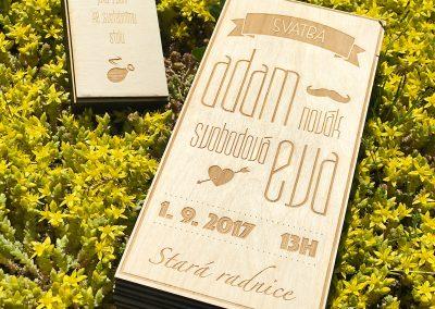Překližkové svatební oznámení
